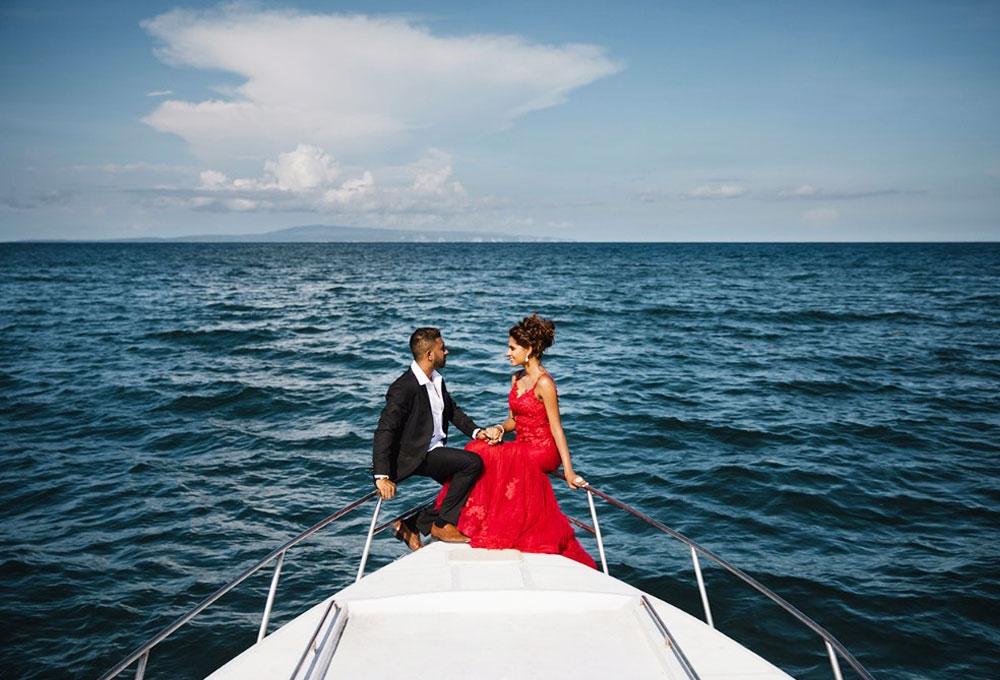 Celebrate Wedding Anniversary on a Yacht in Mumbai