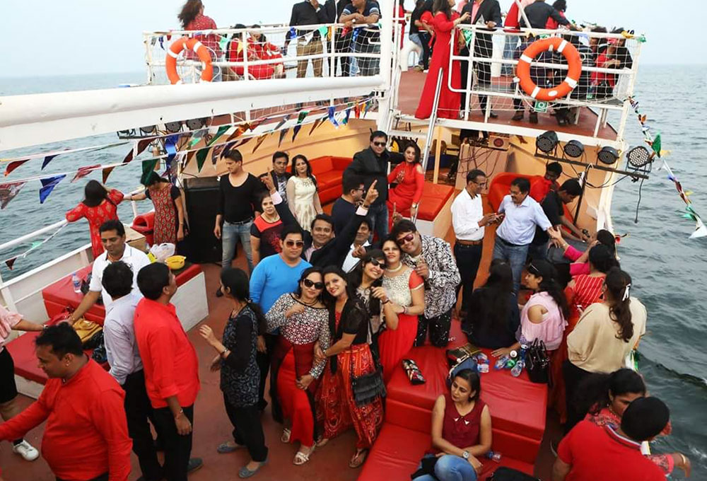 Corporate Rewards and Recognition Program on a Yacht in Mumbai