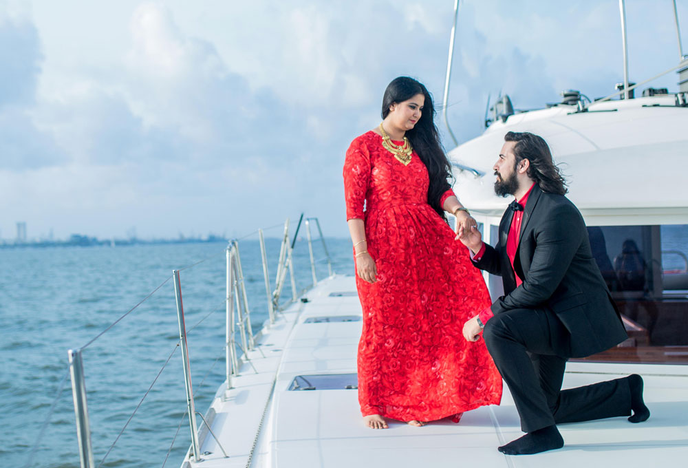 Propose on a Yacht in Mumbai