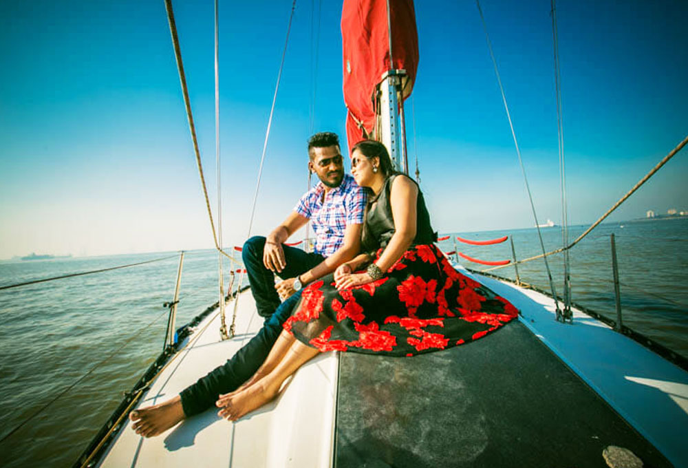 Romantic Sailing Date on a Yacht in Mumbai