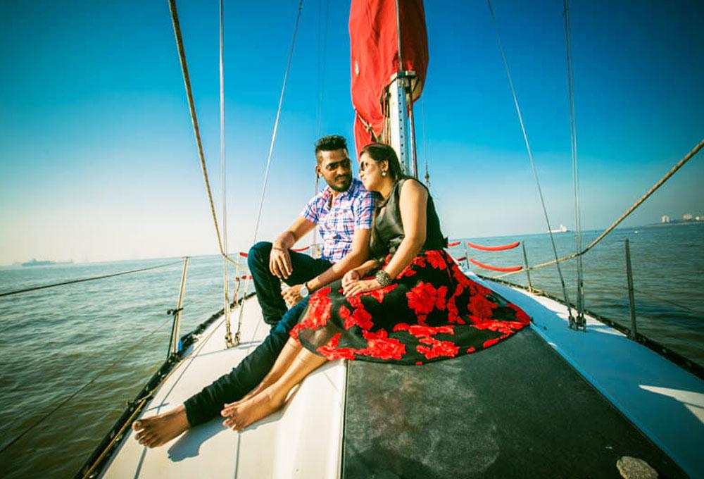 Romantic Sailing Date on a Yacht in Mumbai